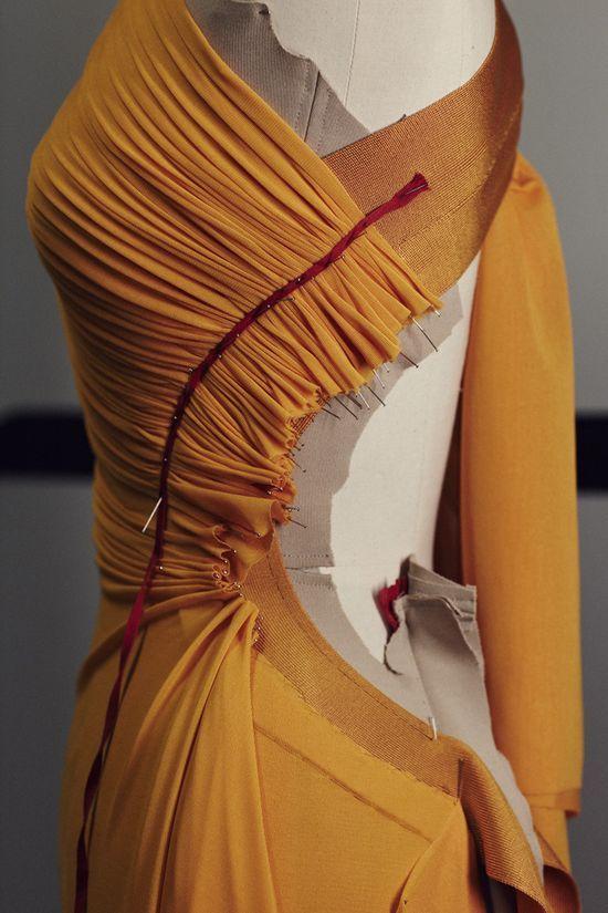 Hervé Léger - look at that draping! | Confección | Pinterest ...