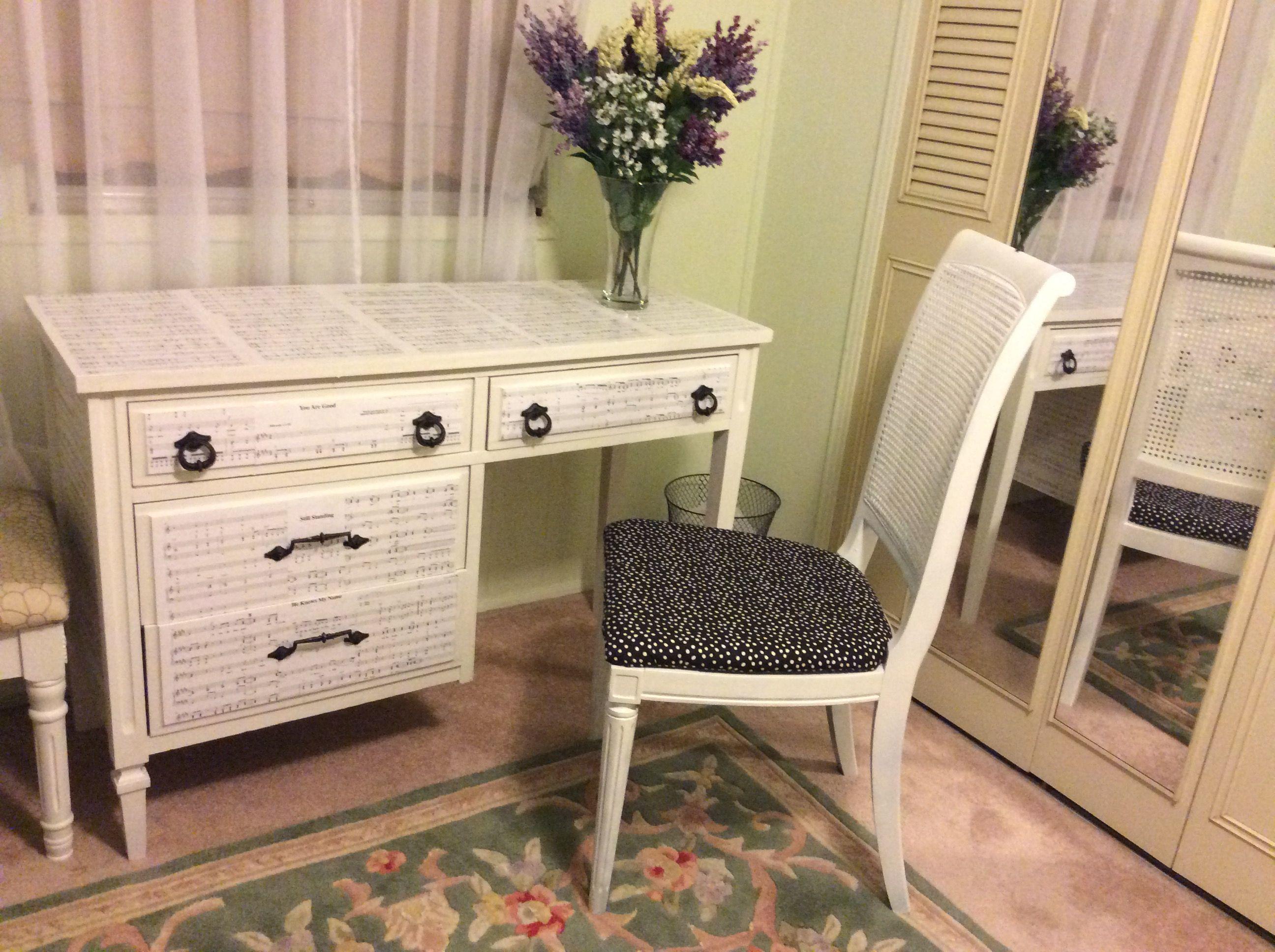 Refurbished desk for our black and white bedroom
