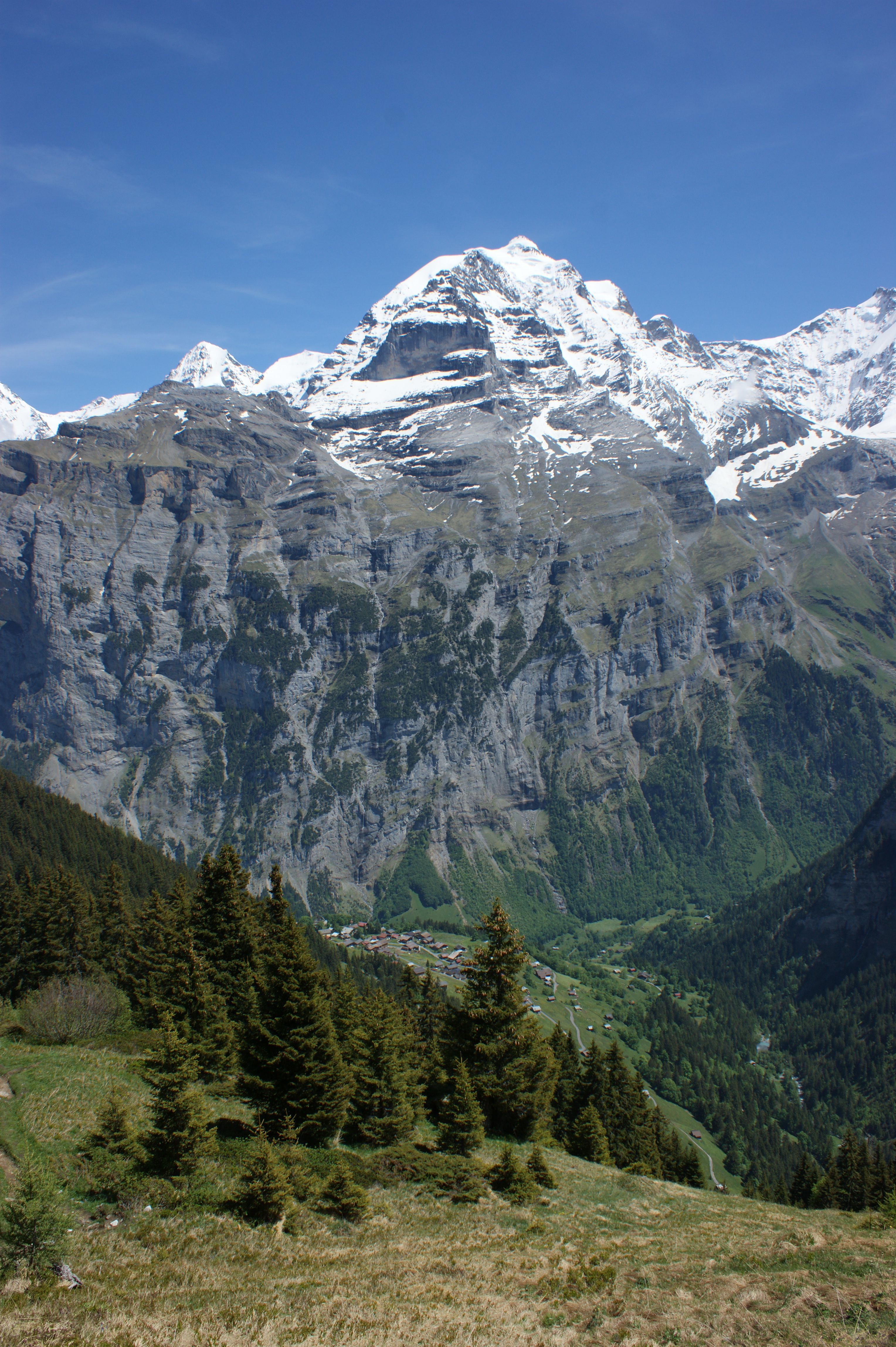 Lauterbrunnen, Switzerland | UFOREA.org | The trip you want. The help they need.