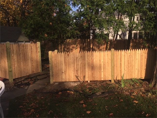 5 6 Ft High Stockade Cedar Fencing All Material Is 1 Grade Cedar The Construction Of The Fencing Is 1 X 3 Boards W Cedar Fence Stockade Fence Fence