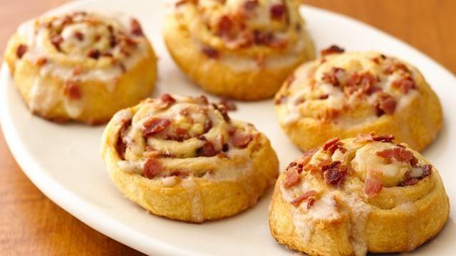 Maple-Bacon Breakfast Rolls