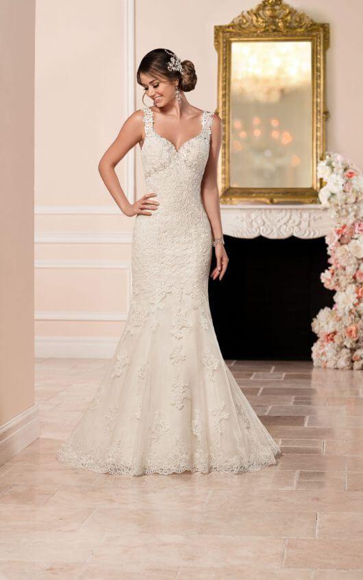 Brautkleid aus Spitze im Meerjungfrau-Stil | Lace, Dresses and ...