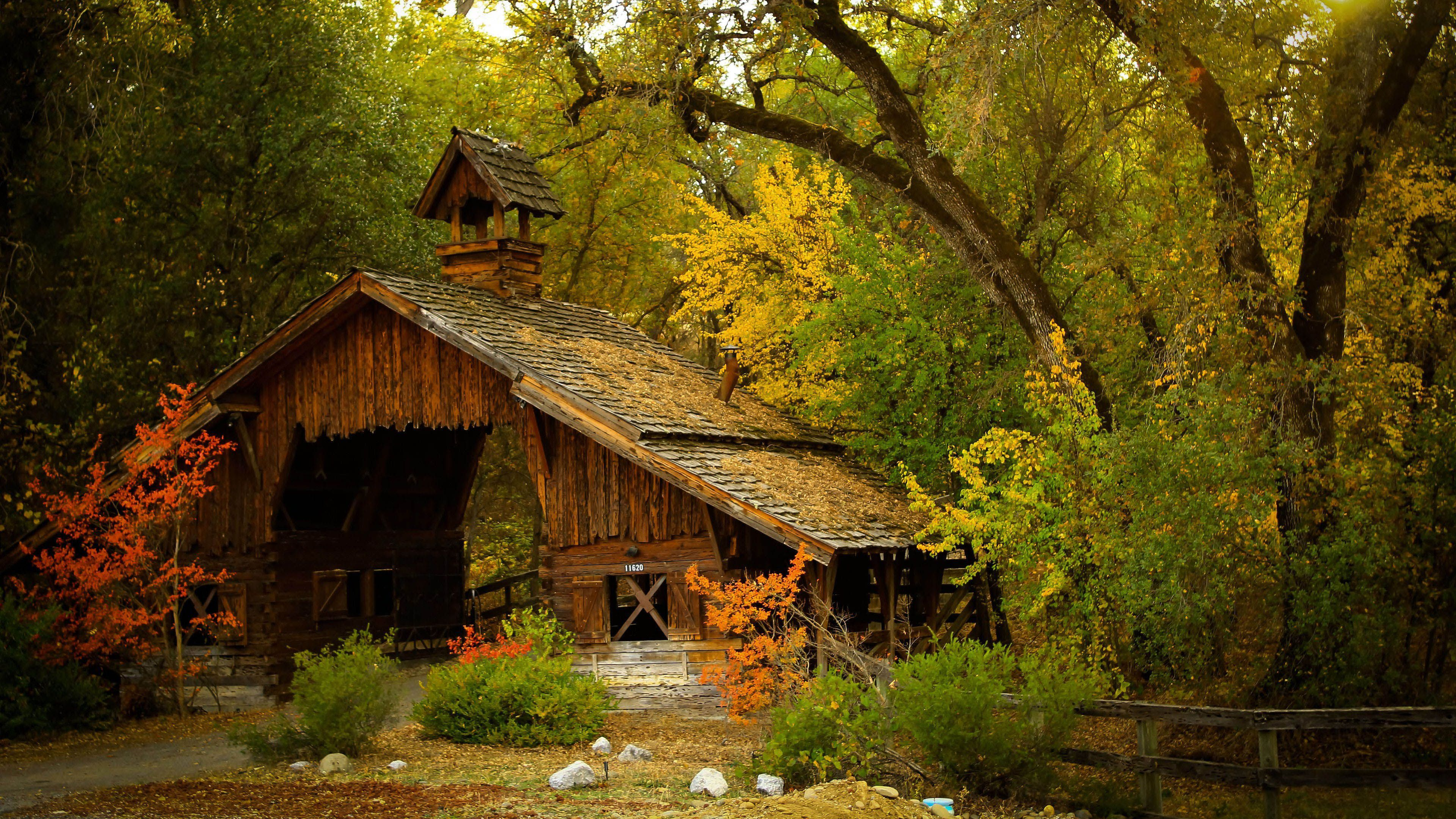 Fond D Ecran 3840x2160 Wooden House In The Forest Rustic Barn Old Barns House In The Woods