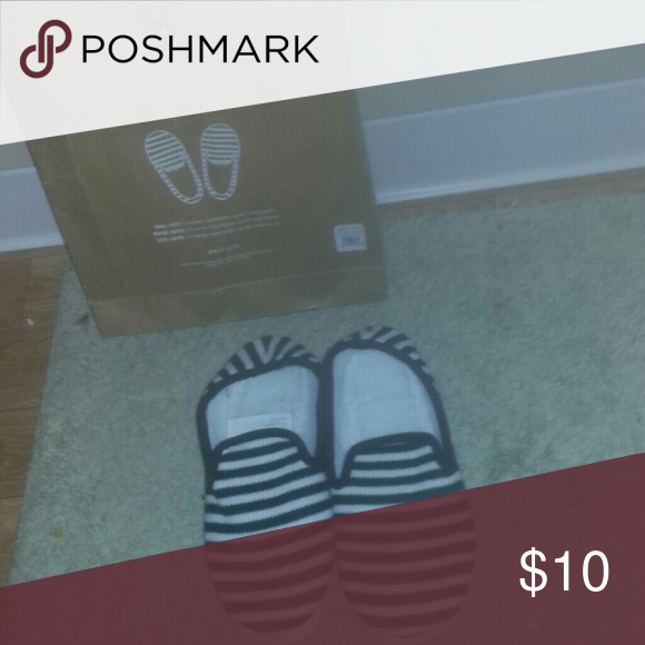 Slippers Brand new in box. Says size 8 but fits like a 6. west elm Shoes Slippers