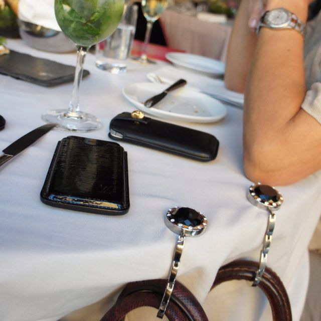 #Smart and #elegant hooks for all #Ladies lovin' their #purses  #baghanger #taeshy #pursehook #bagsoffthegroundwithstyle #handtaschenhalter #accessories #charms #swarovski #musthave #purse #louisvuitton #alexandermcqueen