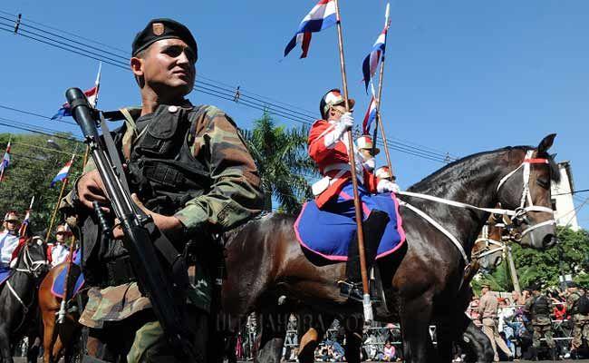 Desfile cívico-militar en la avenida Mariscal López. Foto: José Molinas/ÚH