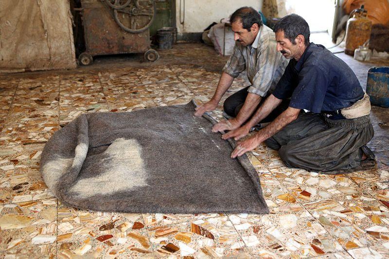 Iran - Namad. Making a felt robe for Bakhtiari shepherds  یک کارگاه نمدبافی در شهرکرد
