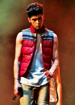 Yeah, sure Zayn. Your being a half-naked lumberjack with insanely large biceps does not make my ovaries explode or anything. No way.   -H