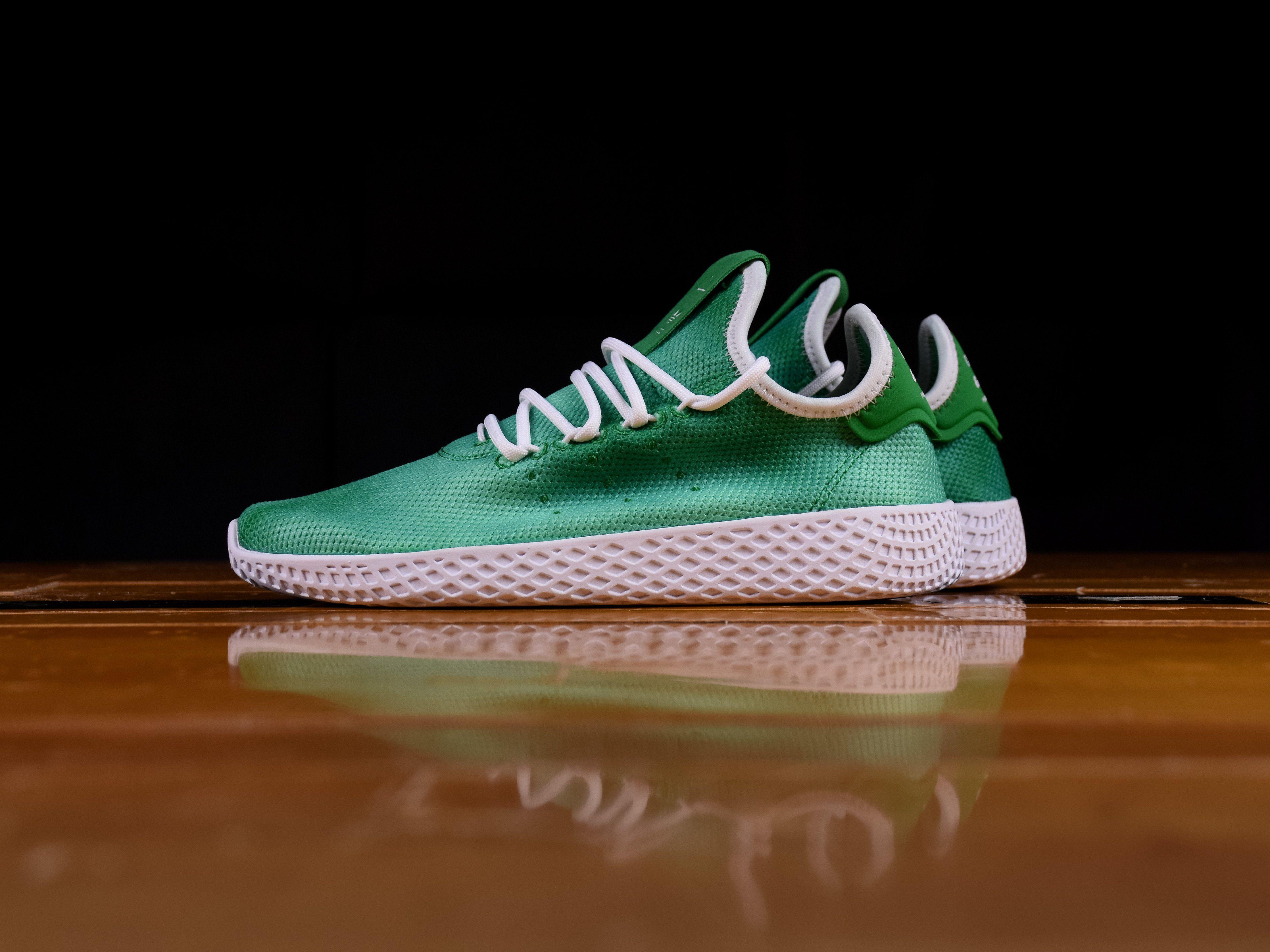 09b5f7f6c7e92 Kid s Pharrell Williams X Adidas Tennis HU  AP9964