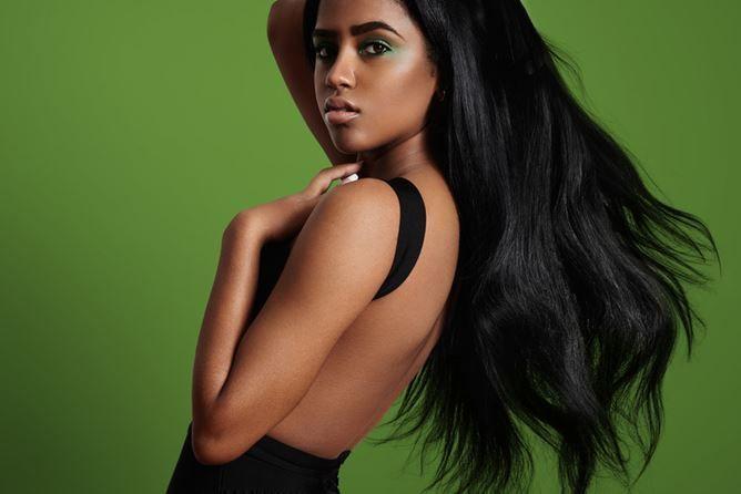 Afro Haare glätten