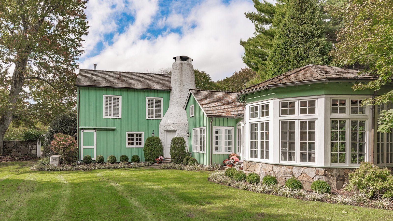 Homes for Sale in New York and Connecticut Hyde park new
