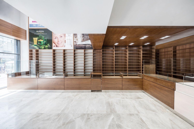 Gallery of Navid Pharmacy / L.E.D Architects - 1