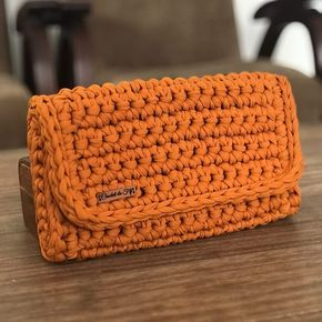 """Crochet Da Fifi en Instagram: """"Maxi clutch perfecto para poner lo básico. Se desliza hacia los lados para ver el lado, es más ancho que el modelo normal. ➡️➡️➡️ Además de … """""""