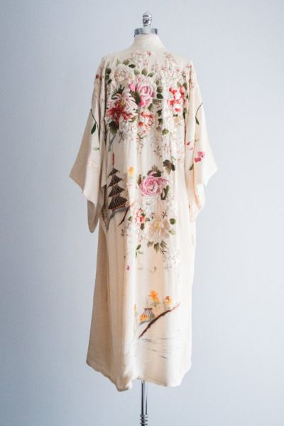 Since I Love The Kimono Style Dresses I Ve Seen On: This Is Possibly One Of The Most Beautiful Things I've