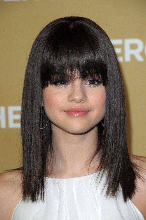 Selena Gomez Hairstyles 20 Best Hair Ideas For Thick Hair Selena Gomez Hair Thick Hair Styles Straight Hairstyles
