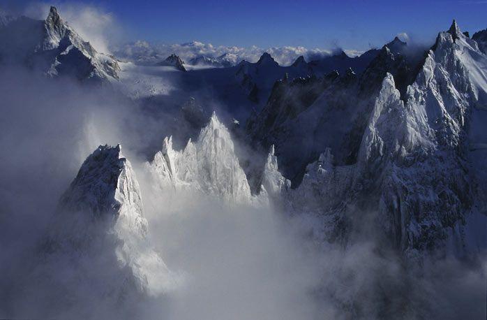 Vous Trouverez Sur Ce Site Des Informations Sur L Activite De Mario Colonel Un Porfolio De Photos De Montagne Et Une Boutiq Photo Montagne Mont Blanc Chamonix