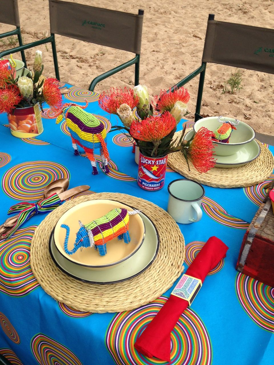 Table decor proudly sa party proudly south african for African party decoration
