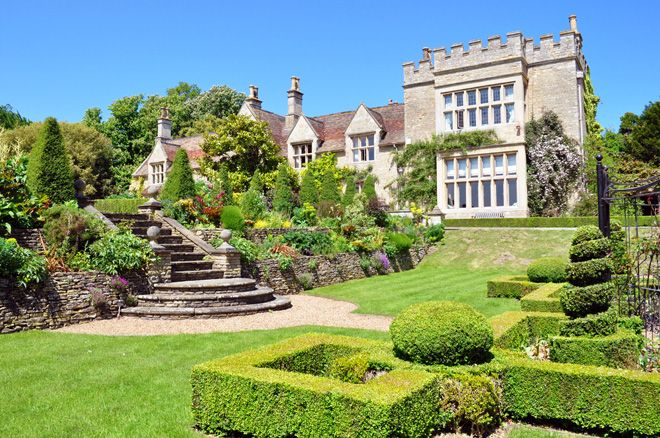 Immaculate Formal Gardens At Tofte Manor Wedding Venue In Bedfordshire Is