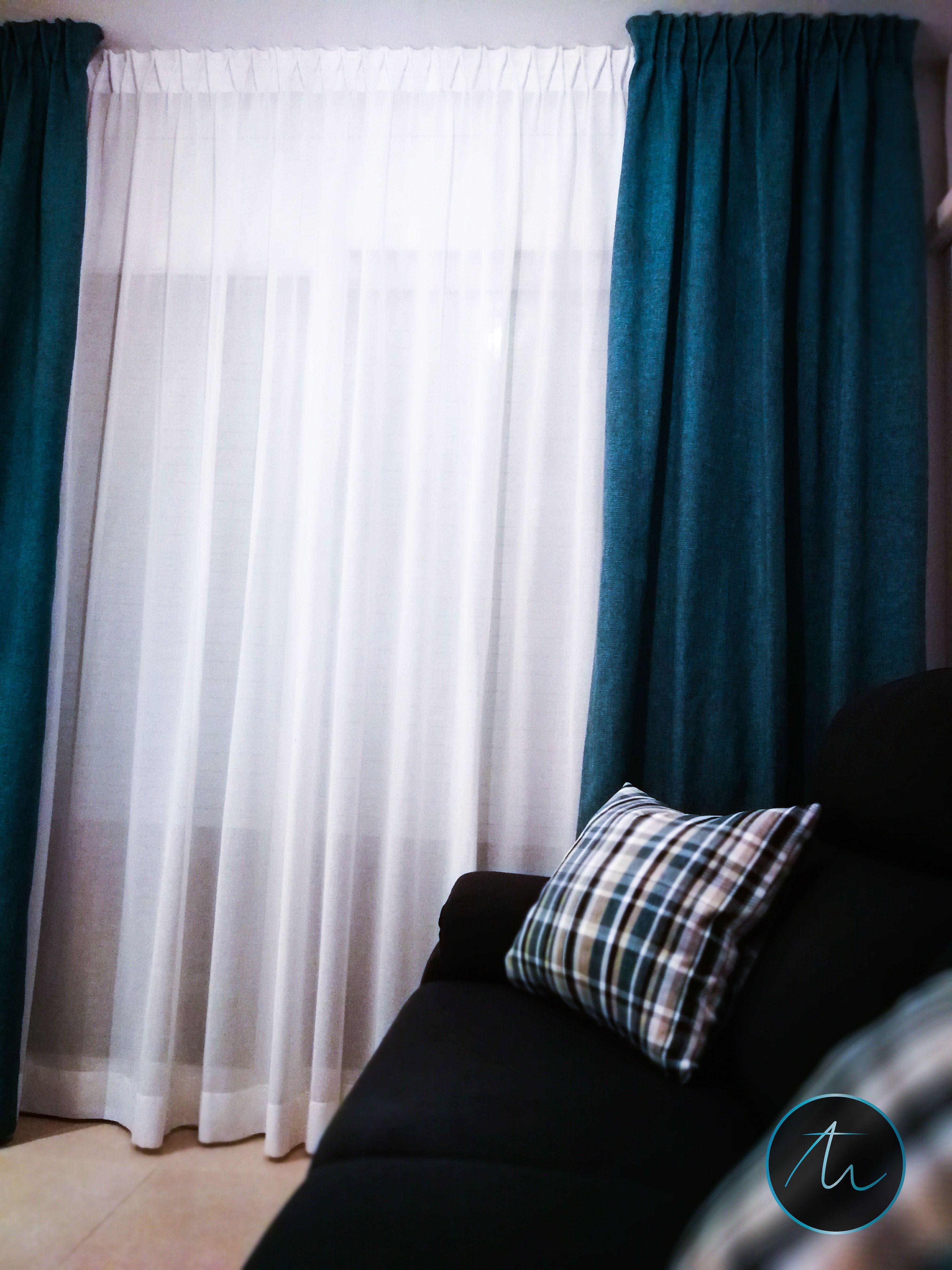 Comedor con cortina tradicional rizada y caidas en los laterales ...