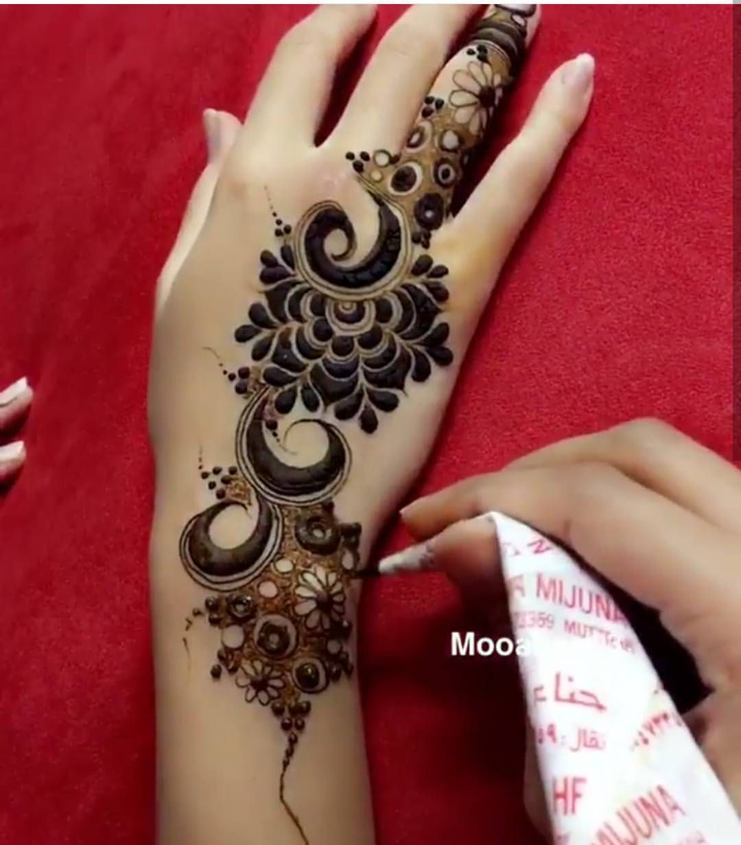 1 122 Likes 7 Comments Henna Artist Rifas Henna Alain On Instagram For Henna Bookings Modern Mehndi Designs Henna Designs Hand Beautiful Henna Designs