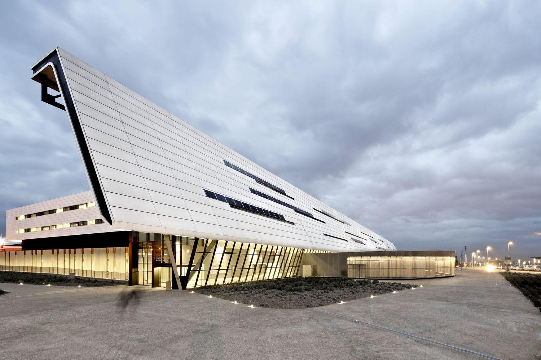 Galería De Hospital Universitario Sant Joan De Reus Pich Aguilera Architects Corea Moran Arquitectura 5 Architecture Futuristic Architecture Beautiful Architecture