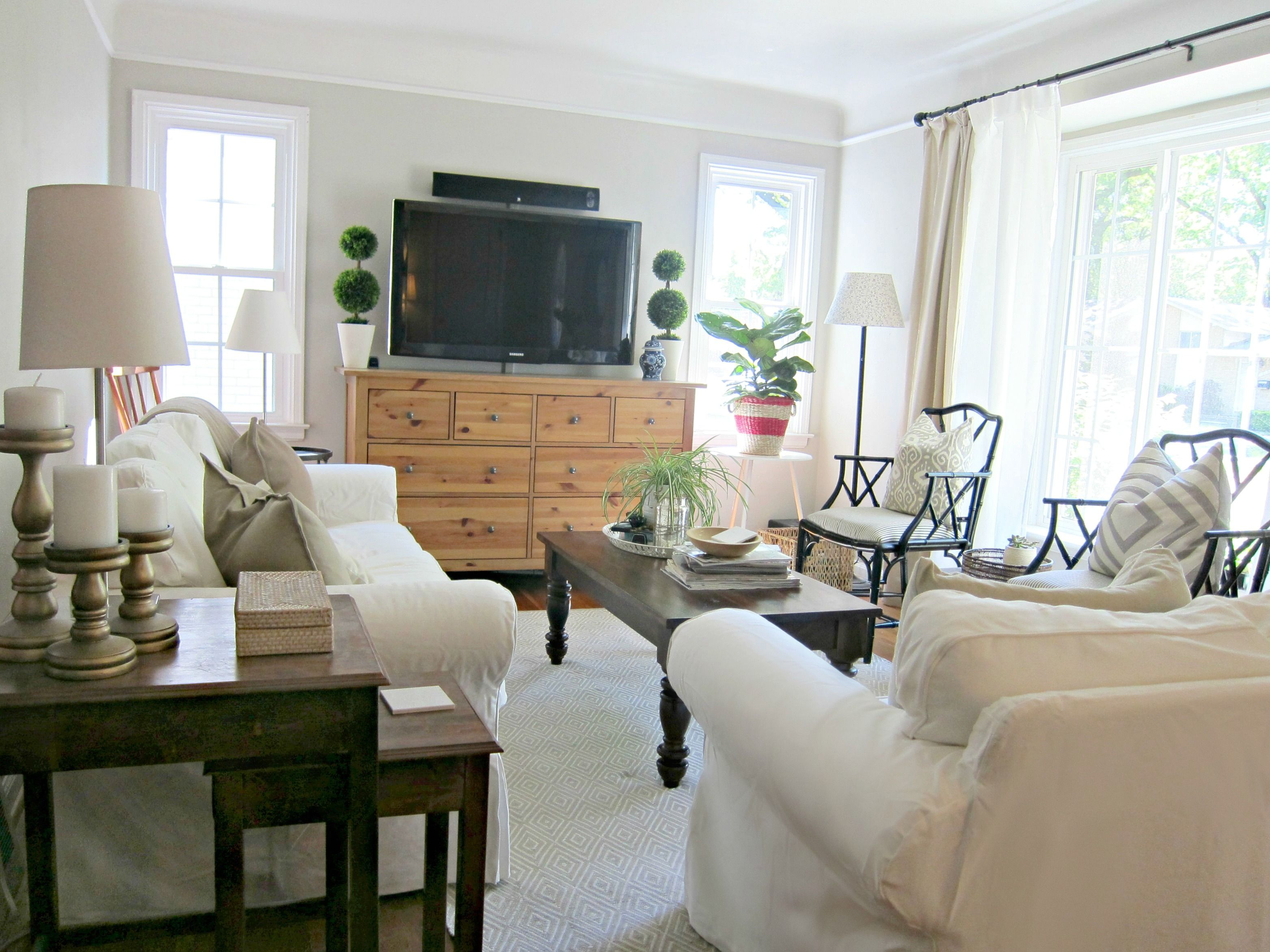Benjamin moore cumulus cloud paint white slip covered sofa black bamboo arm chair with pinstripe fabric fiddle leaf fig plant dash albert diamond rug