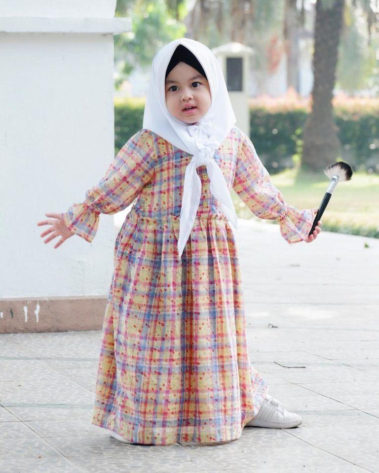 50 Model Gamis Anak Trendy Modis Terbaru Dan Kekinian Banget Di 2020 Gaun Bayi Perempuan Pakaian Balita Model Pakaian Gadis