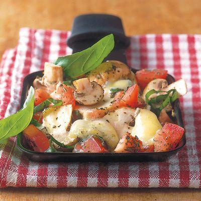 Der Gorgonzola gibt dem Tomaten eine herzhafte Note. Kräuter aus der französichen Provence verleihen dem Raclette ein würziges, sommerliches Aroma.