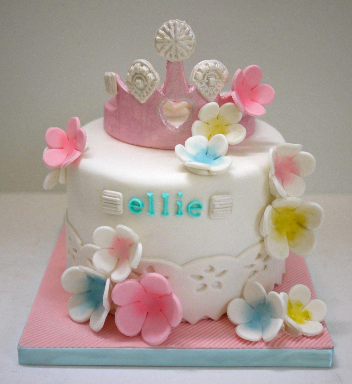 #handmade #handpainting #gâteauxdécoréslyon #OoohMyCake #cakedecorating #birthdaycake #cakedesign #PrincessParty