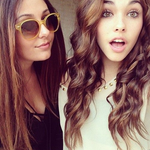25c7d0486ae03 Curly hair and makeup ♥ MADISON BEER   Makeup   Hair, Curly hair ...
