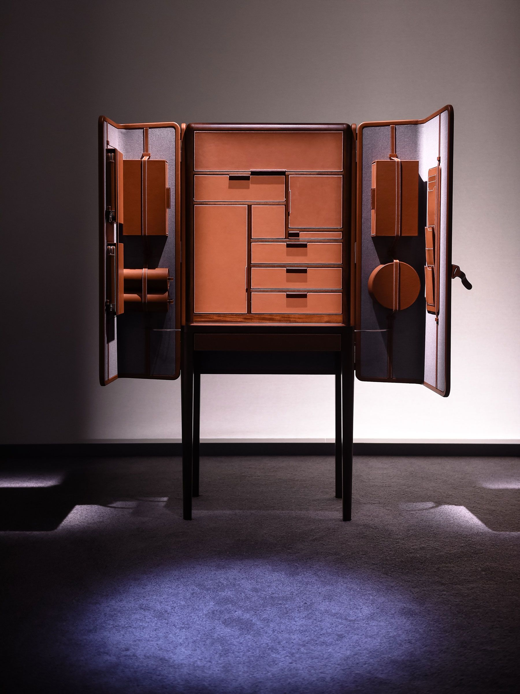hermes-presents-here-elsewhere-installation-10 | Cabinet ...