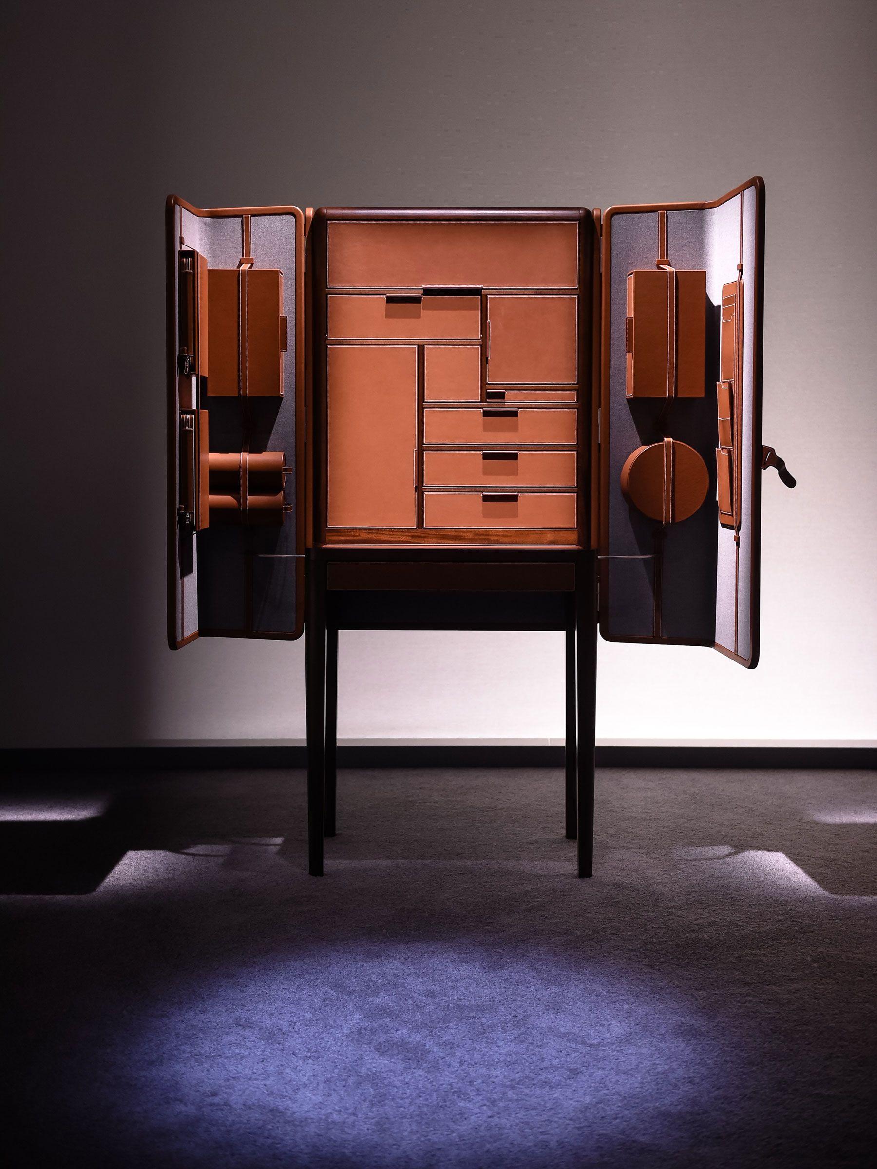 Armario Limpieza Metalico ~ hermes presents here elsewhere installation 10 Marcenaria, Criaç u00e3o e Móveis