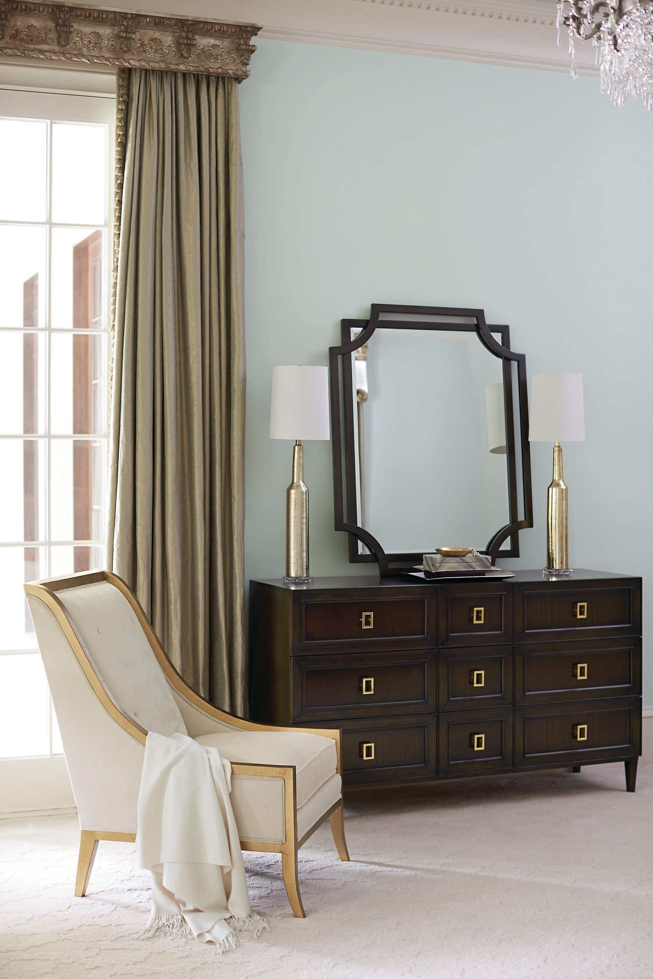 High End Bedroom Furniture In Montreal With Images Classic