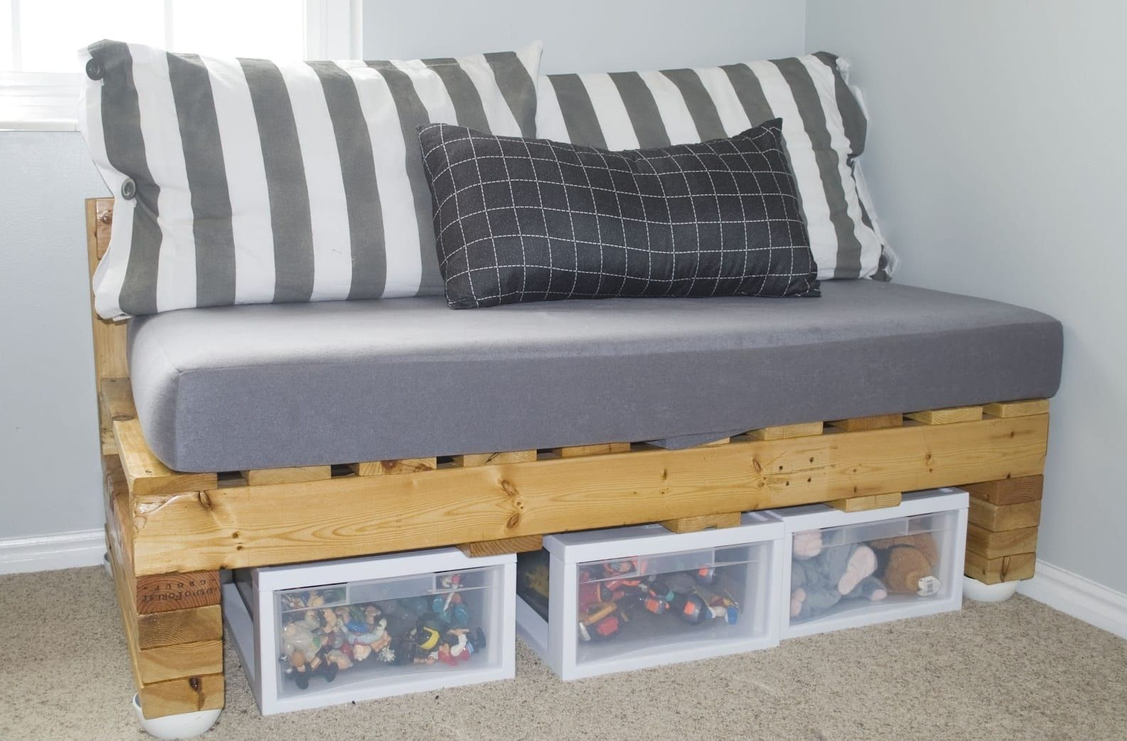 resultado de imagen de sofa palets paso a paso