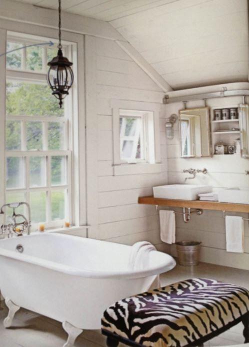 Simple Rustic Bathroom With Clawfoot Tub Bathroom Interior