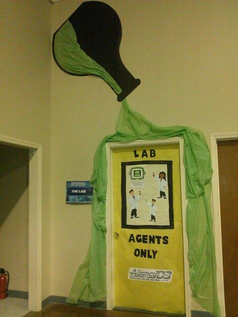 Craft lab agency d3 door decorations mad science for Door design lab