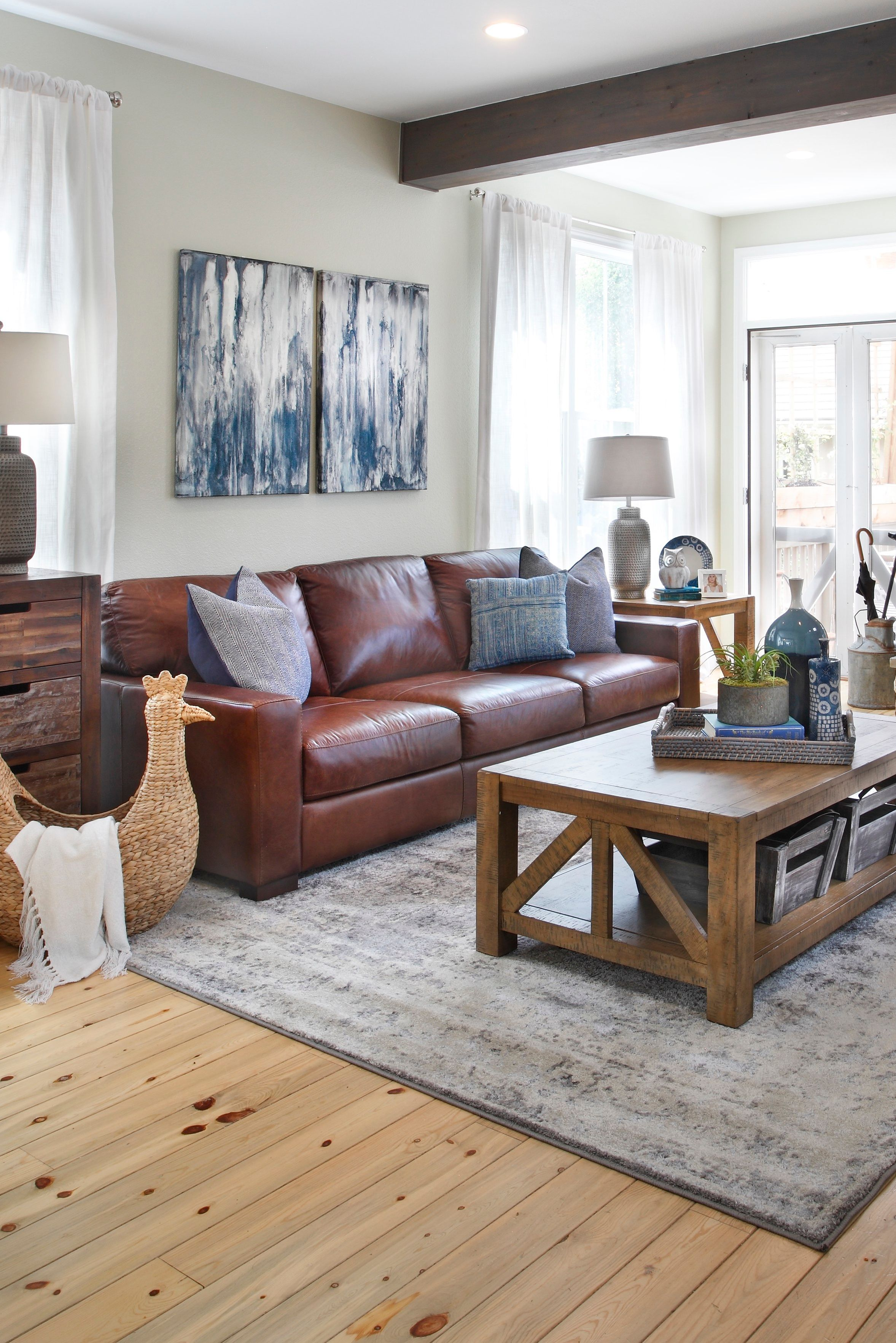 Durango Leather Sofa Furniture Row In 2020 Leather Sofa Furniture Rowe Furniture House Interior
