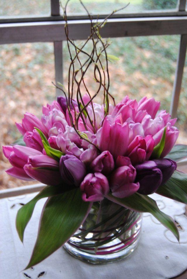 Tischdeko frühling tulpen  hochzeit frühling tischdeko rosa lila tulpen ranken vase | Easter ...
