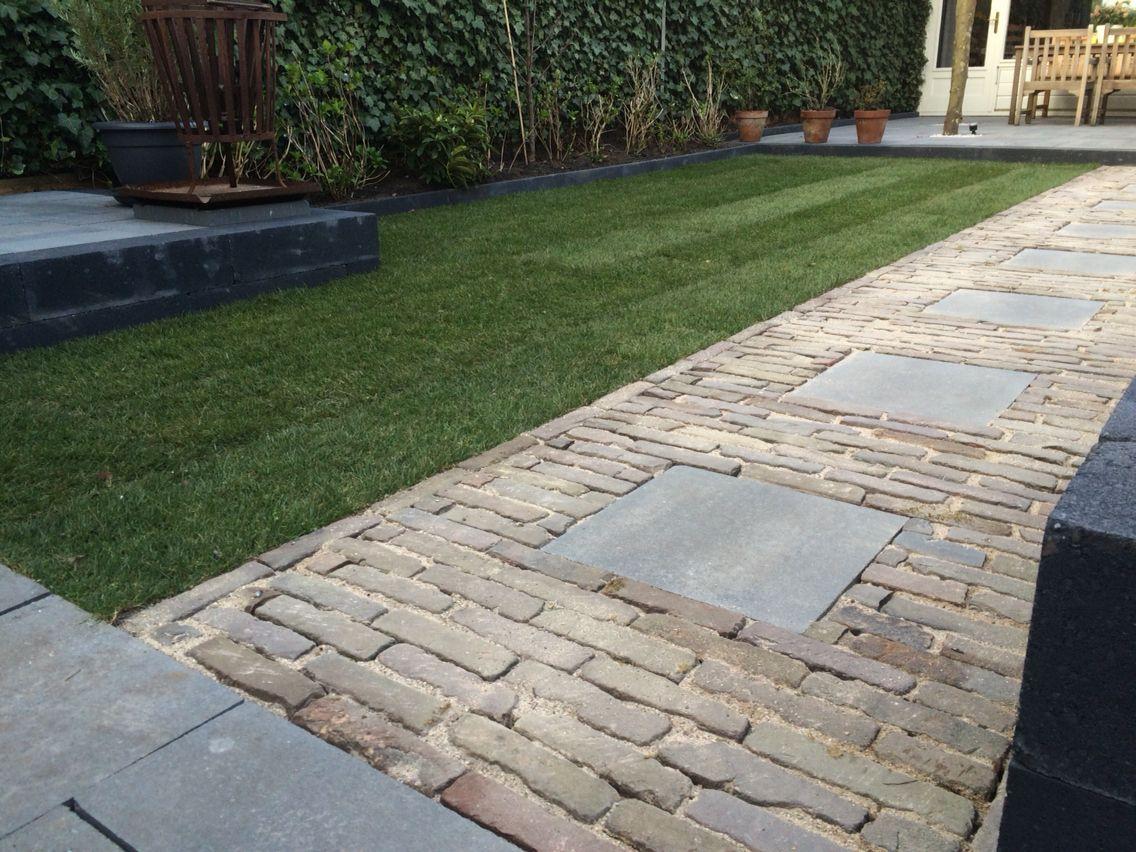 Onze nieuwe bestrating waaltjes en 40x40 tegel for Garten steine 40x40