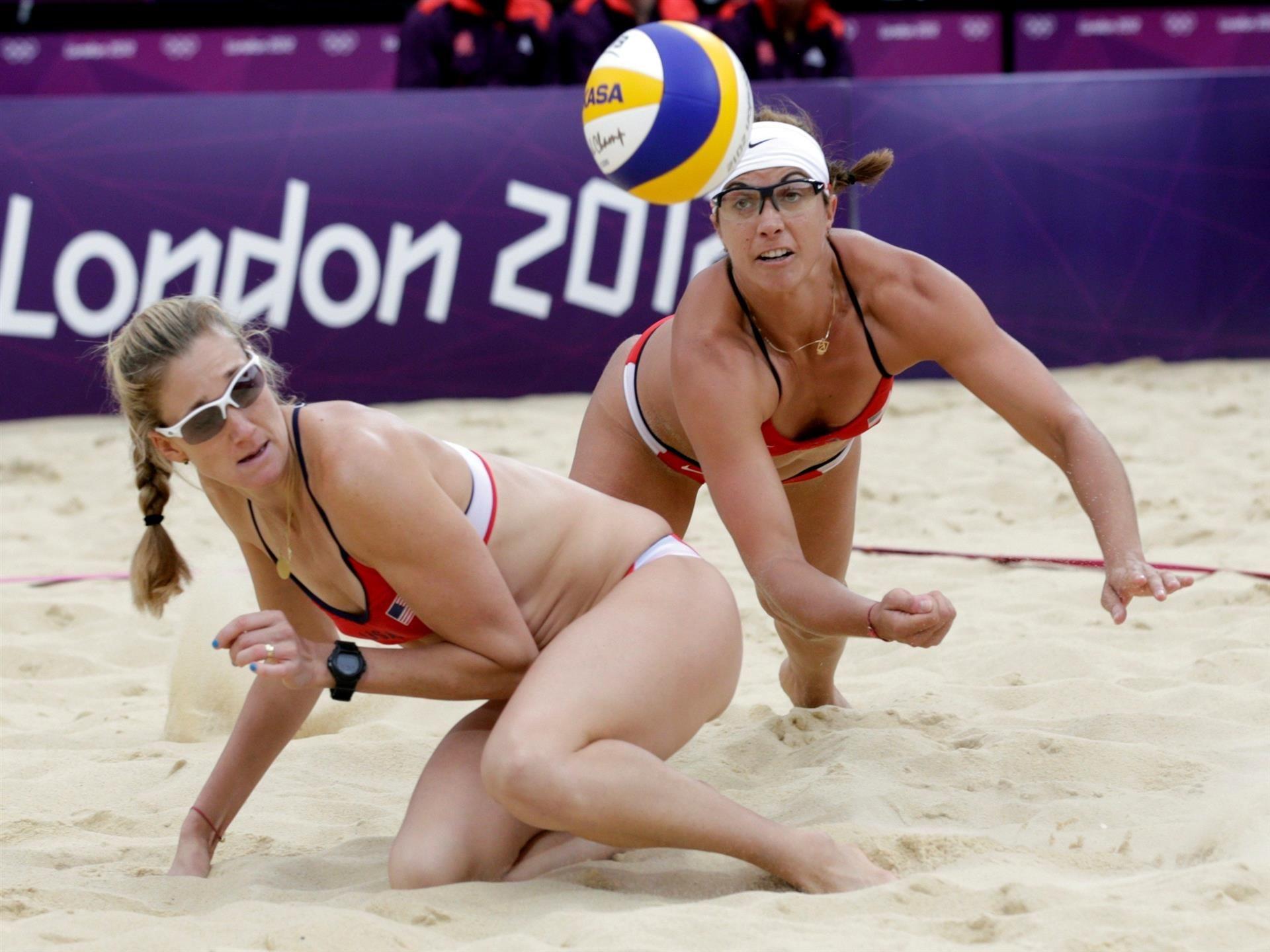 1920x1440 Hot Beach Volleyball Womans Match Wallpapers Beach Volleyball Olympics Volleyball