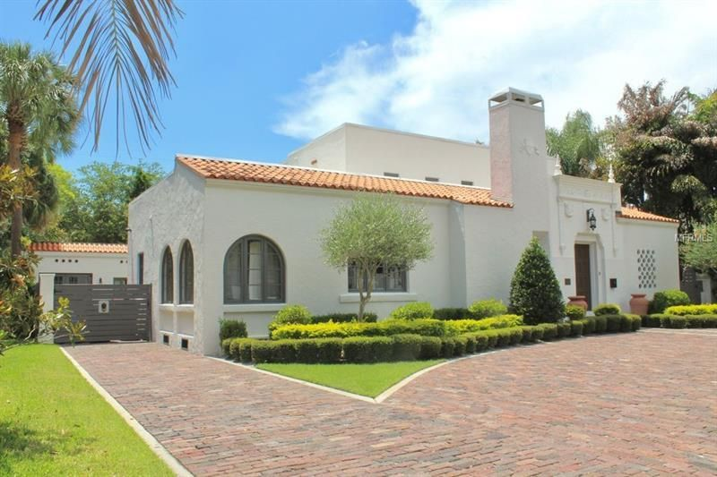 Property Photo House styles, Real estate search, Mansions
