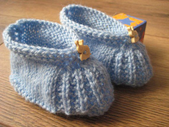 a3f31fa3d Hand knitted blue new baby boy baby girl booties