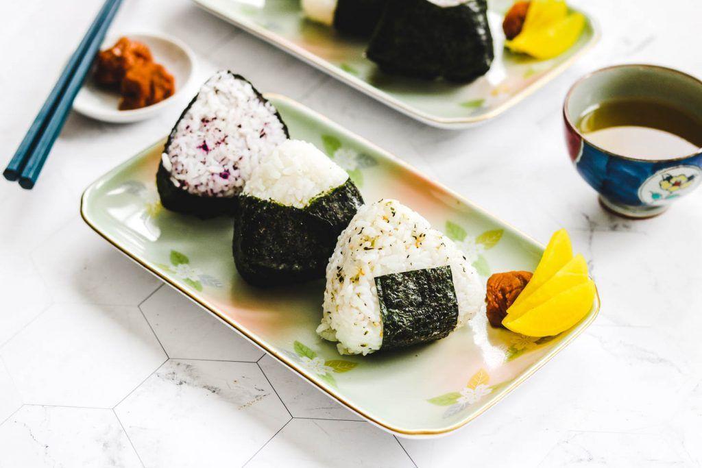 How to Make Onigiri (Japanese Rice Balls)   Ultimate Guide ...