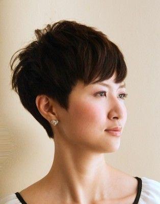 ミセスの力強いベリーショート 髪型 40代 50代 ヘアスタイル 髪型
