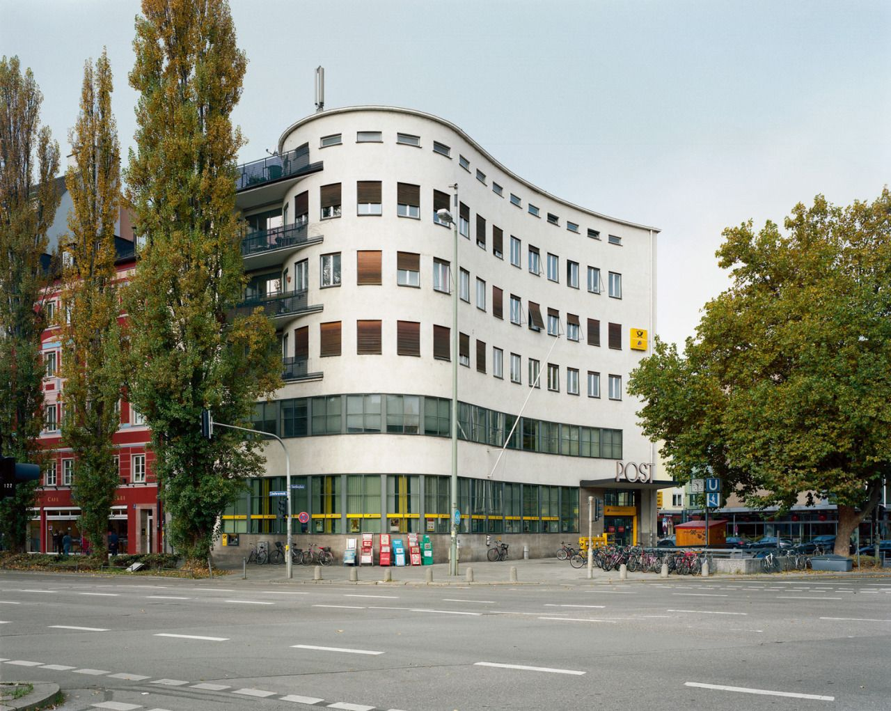 Post Office at Goetheplatz (193132) in Munich, Germany