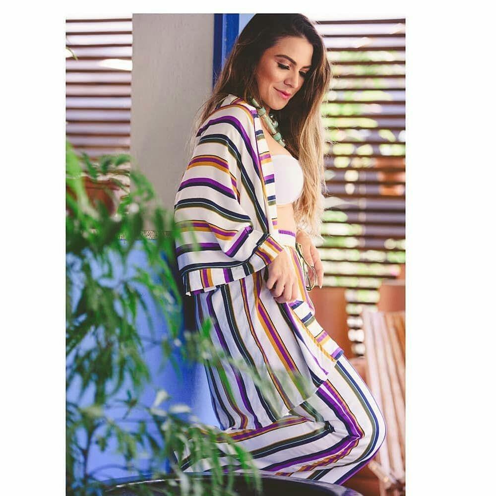 """""""Eu quero amor Eu quero tudo que for bem colorido Tudo que for leve..."""" . . #praficarodara #odara #ootd #moda #kimono #listras #stripes #pattern #colors #cores #boho #fashion #pantalona #moda #modaRJ #fashion #rjfashion #rj #errejota #riodejaneiro #niterói #roupa #estilocarioca #ootd #estampa #outfit #look"""