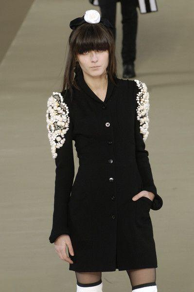 Chanel - Fall 2006 - Ready to Wear