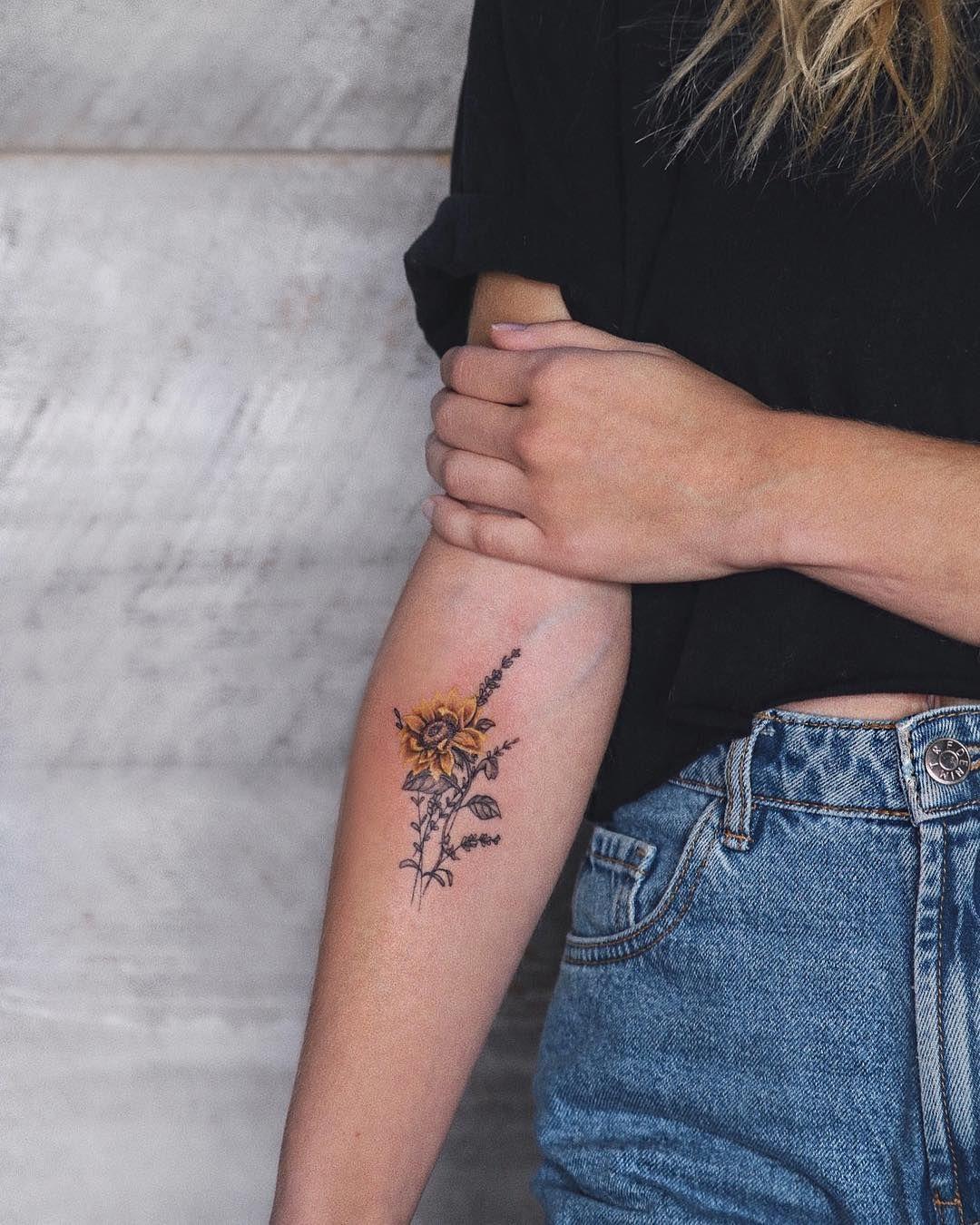"Photo of Mauvais Garçons Tattoo Shop on Instagram: ""Realistic sunflower🌻// tattooed by @fani.art"""