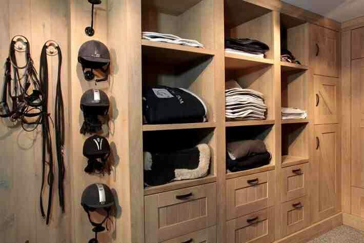 Pin By Marian Tarnow On Stable Design Ideas Horse Tack Rooms Tack Room Tack Room Organization
