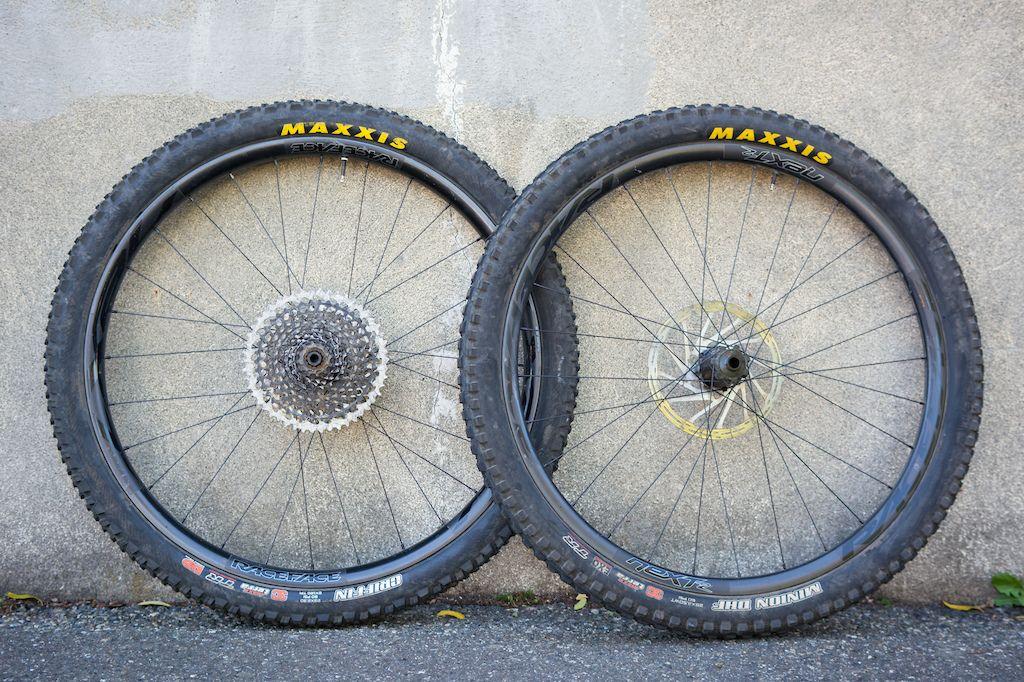 Race Face Next R Carbon Wheels Review Racing Wheel Bike Wheel